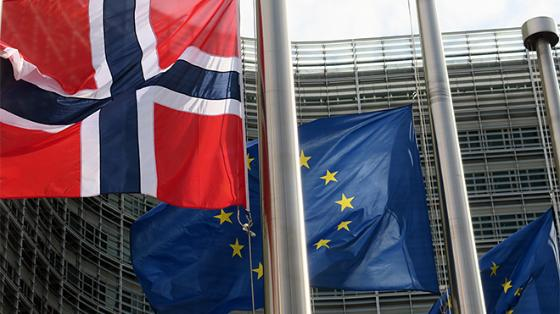norway-eu-flags_missionnorwayeu-flickr-660