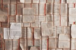 Bilde av åpne bøker