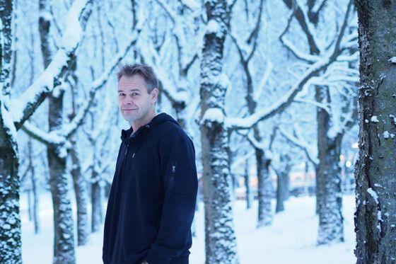 Bildet kan inneholde: tre, fotografi, vinter, snø, blå.