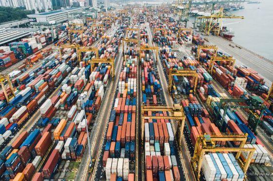 Bilder av kontainere på havna