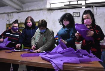 Volunteers sewing masks against the conoronavirus - Syria
