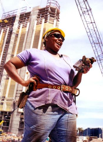 "Foto: Susanne Davis, ""Denise Johnson, union ironworker,"" Tradeswomen Archives,  http://tradeswomenarchives.com/items/show/1."