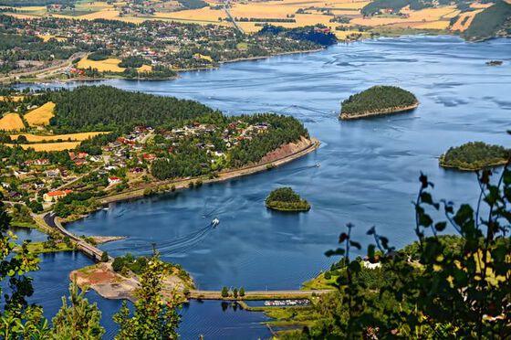 Steinsfjorden, bildet tatt fra Kongens utsikt ved Kleivstua