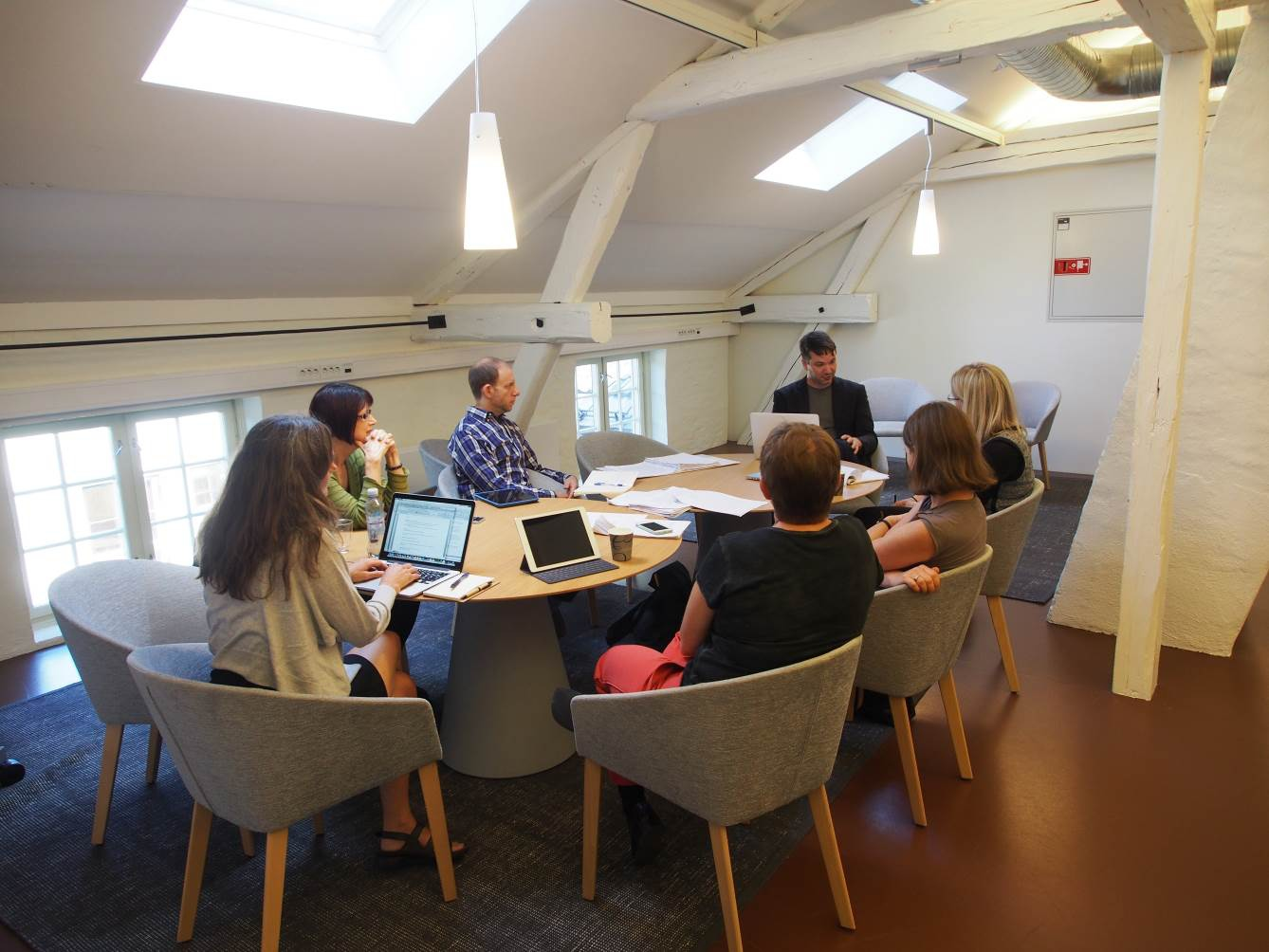 Workshop of the panel exploring food-related issues of intimacy, abstraction, scale, and context (Photo: Wim van Daele).